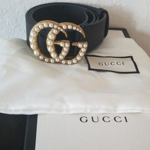 Gucci Leather Belt with Pearl GG